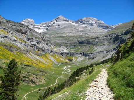 Viajes Pirineos 2021: ruta privada alta montaña grandes cimas 6 días