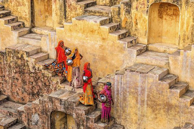 viajes india abhaneri step well