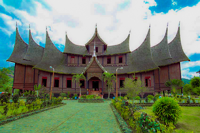 viajes indonesia bukittinggi